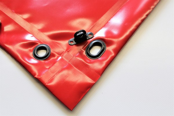 mit Saum und Ovalösen alle 1m, rot, inkl. Drehwirbel